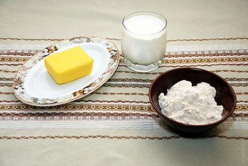Изображение 1: молоко, мука и масло