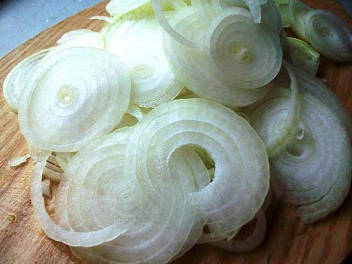 Лук для крабового салата