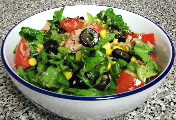 Простой рецепт салата из тунца