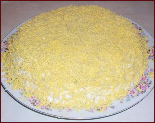 салат из сайры консервированной и яйцами рецепт