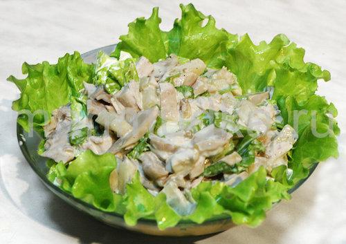 Салат из курицы грибов сыра