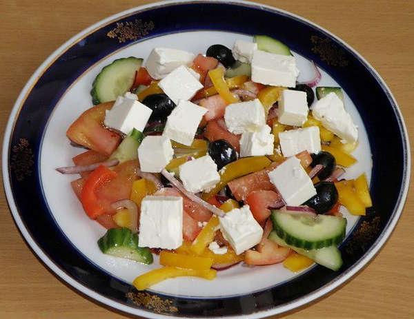 Греческий_салат_классический_Grecheskij_salat_klassicheskij