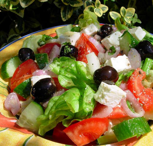 Греческий_салат_рецепт_с_фото_Grecheskij_salat_recept_s_foto