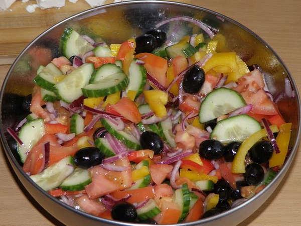 Как_сделать_греческий_салат_Kak_sdelat_grecheskij_salat