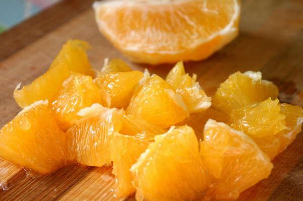 Очищенный апельсин