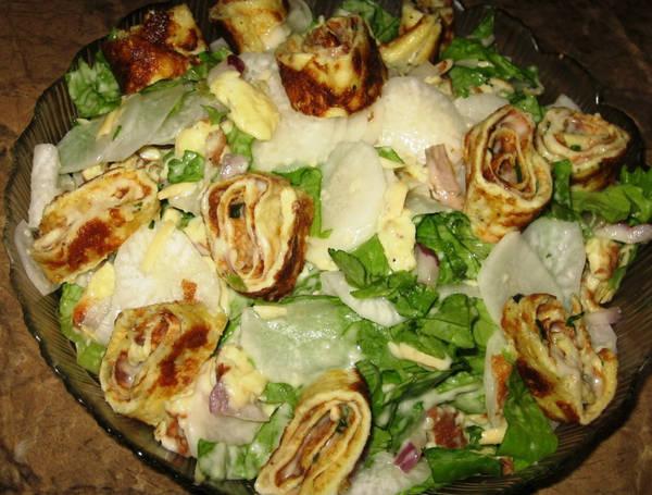 Salat_s_omletom_i_dajkonom