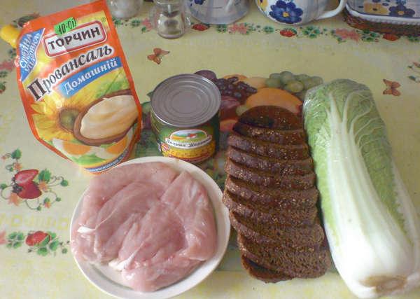 Салат с пекинской капустой с сыром