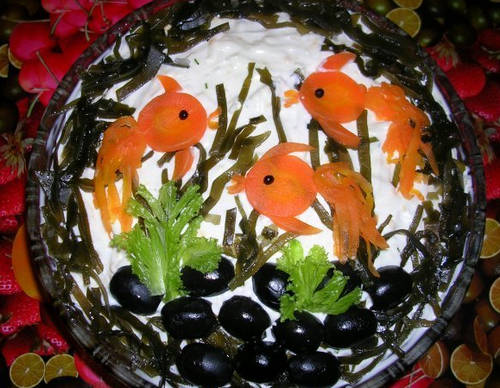 Украшеный_салат_из_морской_капусты_Ukrashenyj_salat_iz_morskoj_kapusty
