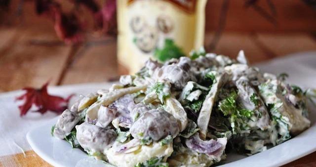 Салат охотничий рецепт с фото с колбасой