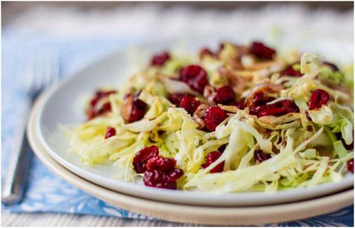 Осенний салат из ягод