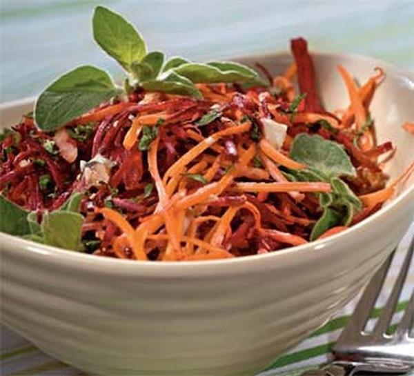 Салат из свежей моркови и свеклы рецепт
