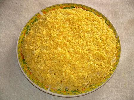 Последний слой из желтка яиц