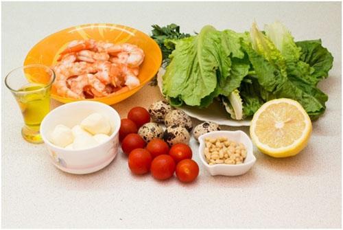 Шаг 1: Ингредиенты для салата с креветками