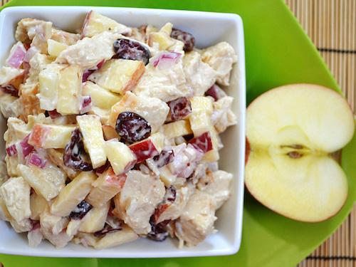 салат с яблоком и курицей
