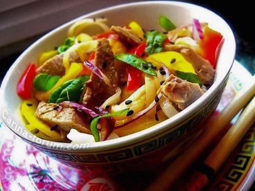 тайский салат с кольраби