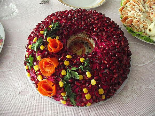 Гранатовый салат на Новый Год